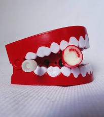 Biting teeth-blog2
